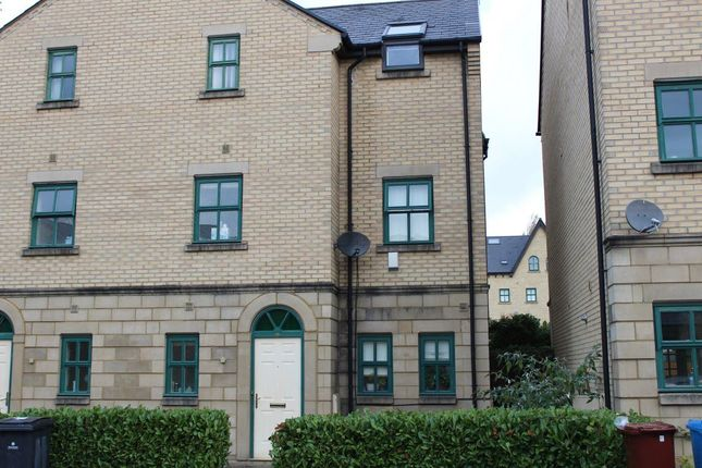 Thumbnail Property to rent in Schuster Road, Manchester