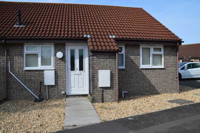 2 bed semi-detached bungalow to rent in Tor Close, Weston-Super-Mare BS22