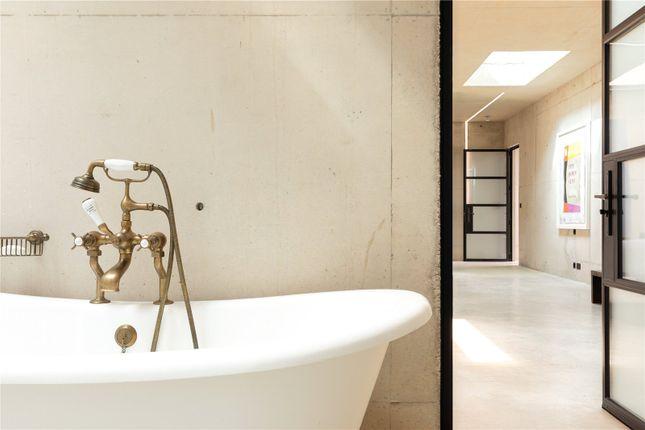 Bathroom of Moreton Paddox, Moreton Morrell, Warwick CV35