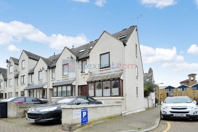 Thumbnail Town house for sale in Pointers Close, London