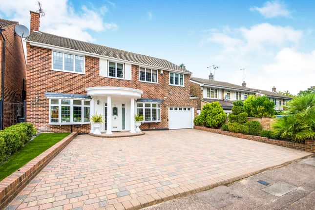 Thumbnail Detached house for sale in Howfield Green, Hoddesdon