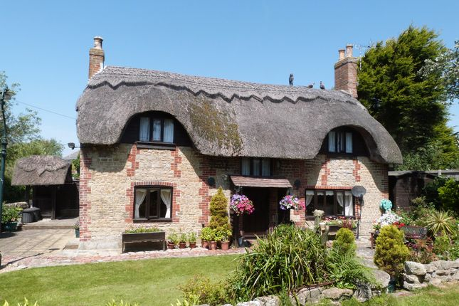 Thumbnail Cottage for sale in Drift Lane, Selsey, Chichester