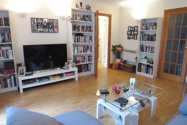 1 bed flat to rent in Brighton Road, Sutton