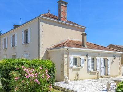 Thumbnail Property for sale in Mareuil-Sur-Lay-Dissais, Vendée, France