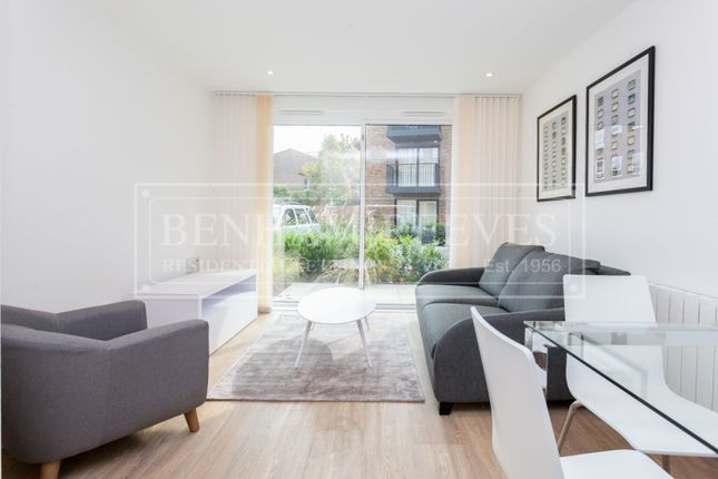 Thumbnail Flat to rent in Marine Wharf, Surrey Quays