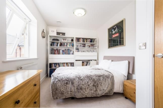 Bedroom of Mowbray Close, Epping CM16