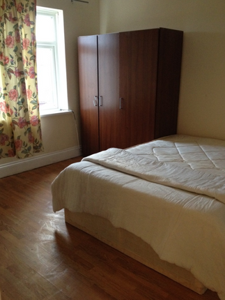 Thumbnail Terraced house to rent in Flanders Road, London