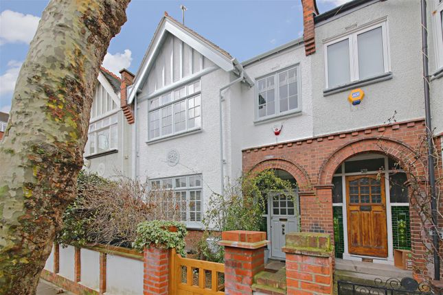 Thumbnail Property for sale in Glenhurst Avenue, London