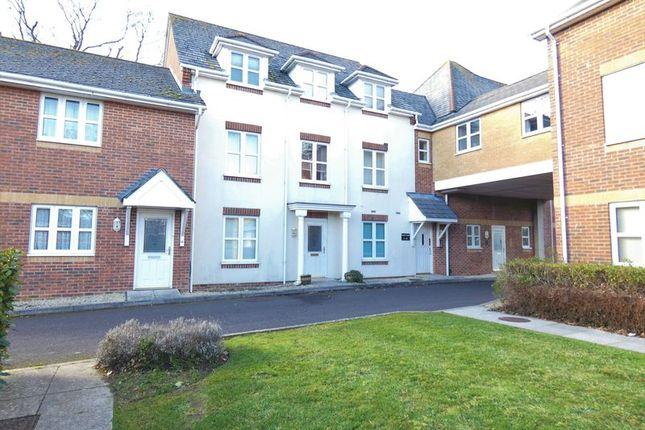 Thumbnail Flat to rent in Bells Lane, Stubbington, Fareham