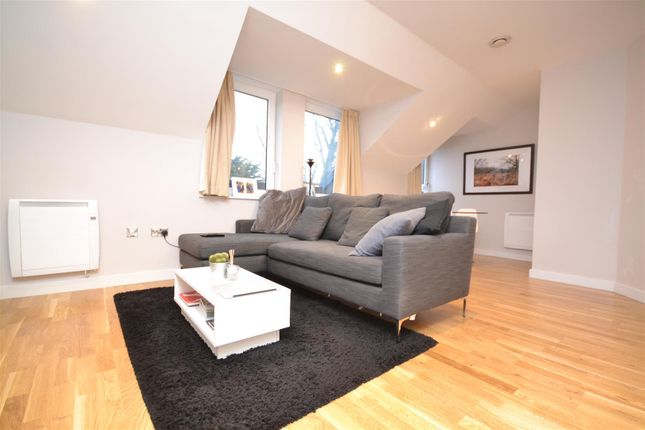 Thumbnail Flat to rent in Old Lodge Place, St Margarets, Twickenham