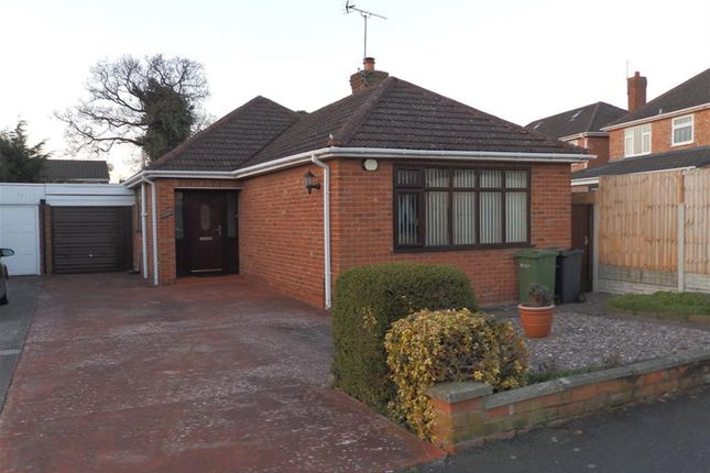 3 bed bungalow to rent in Glenesk Road, Great Sutton, Cheshire CH66