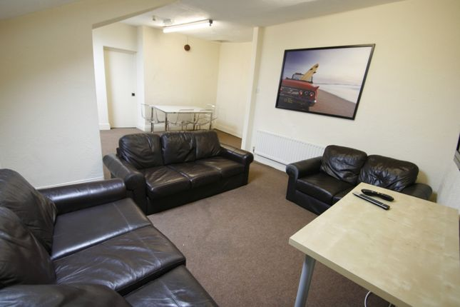 Thumbnail Maisonette for sale in Heaton Road, Heaton, Newcastle Upon Tyne