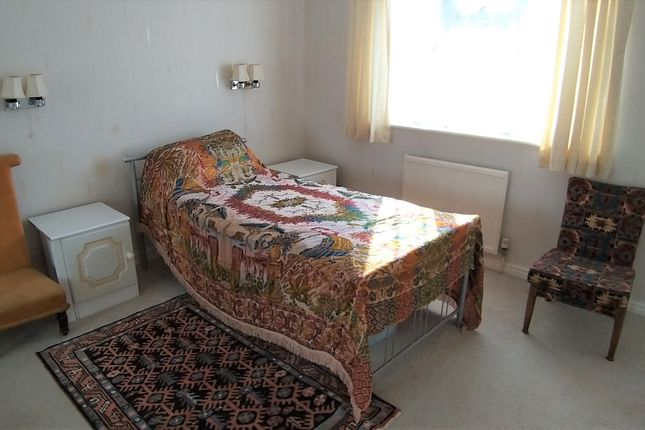 Thumbnail Room to rent in Boundary Park, Seaton, Devon