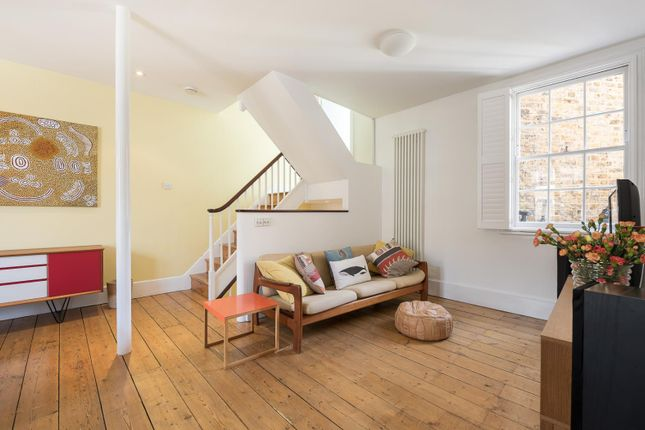 Thumbnail Property to rent in Walcot Square, London