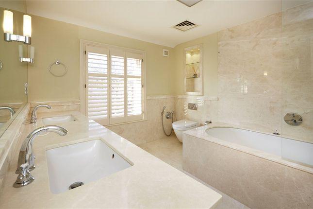 Bathroom of St. John Street, Oxford, Oxfordshire OX1