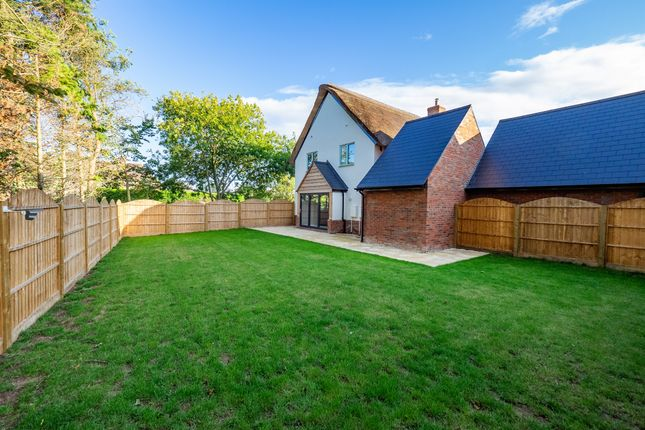 Thumbnail Cottage for sale in Walnut Close, Little Kineton, Warwick