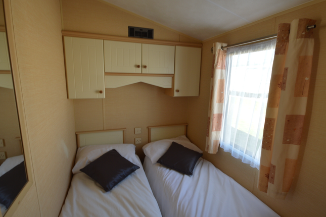 A Great Night'S Sleep Is Never Far Away. You Just Will Love The Second Bedroom - It's The Ideal Solution When There Are More People To Sleep Under One Roof!