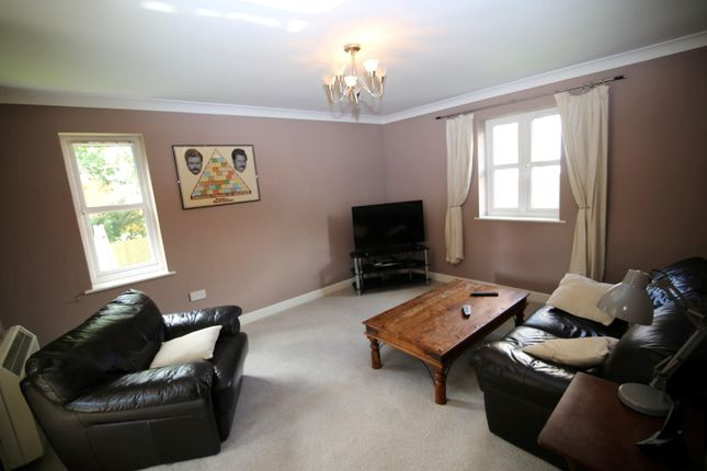 Lounge of Massey Road, Tiverton EX16