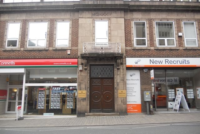 Commercial property to let in Bridge Street, Walsall