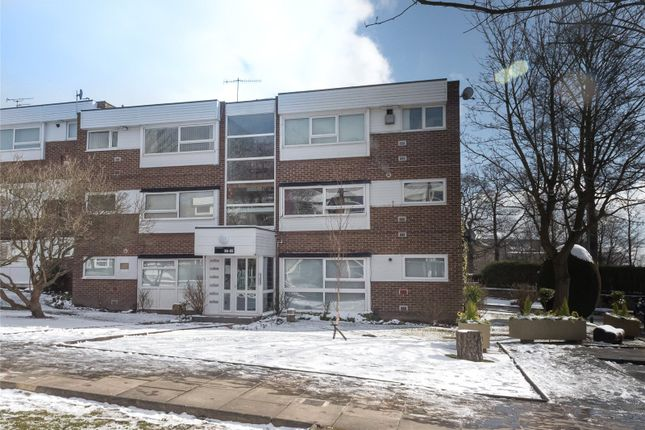 Thumbnail Flat to rent in The Moorlands, Leeds, West Yorkshire