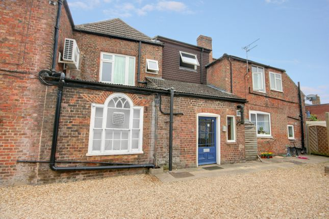 1 bed flat to rent in Knight Street, Spalding PE11