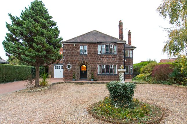 Thumbnail Detached house for sale in Thorne Road, Edenthorpe, Doncaster