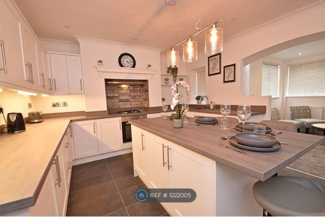 Room to rent in Grange Terrace, Rossendale BB4