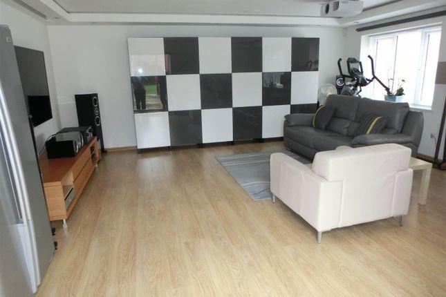 Home Cinema/Family Room