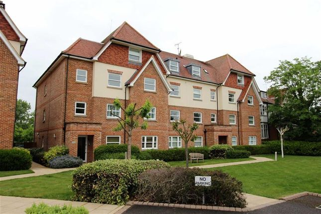 Thumbnail Flat for sale in Grosvenor Heights, North Chingford, London