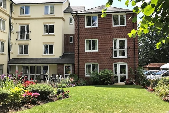 Thumbnail Flat for sale in Holyshute Lodge, Langford Road, Honiton