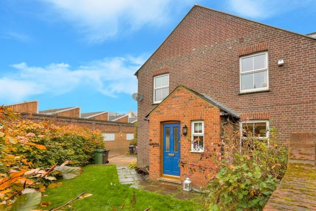 Thumbnail Property to rent in Lower Luton Road, Harpenden, Hertfordshire