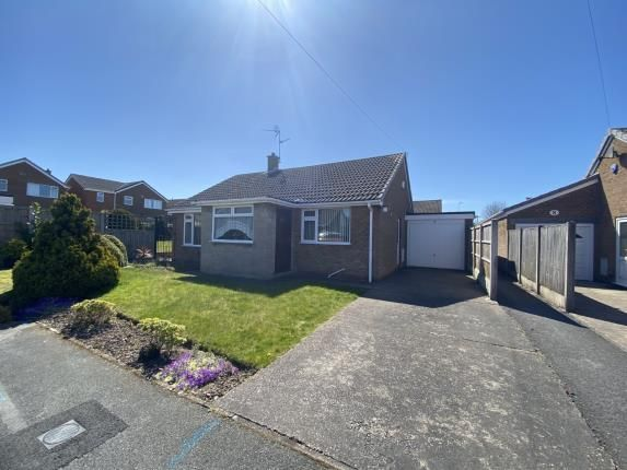 2 bed bungalow for sale in Moorfield Place, Warsop, Mansfield, Nottinghamshire NG20