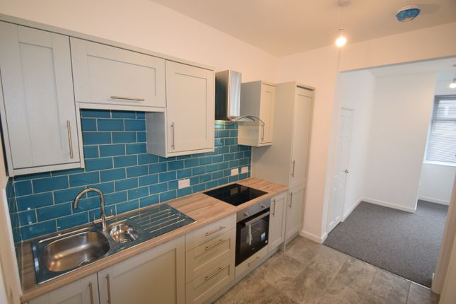 Thumbnail Flat to rent in City Road, Truro