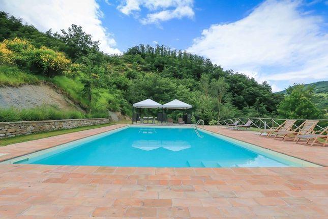 Poderetto Gubbio Pool