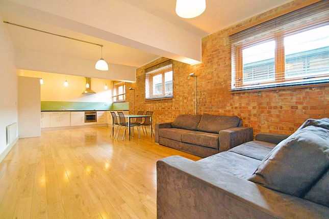2 bed flat to rent in Kingsland Road, London