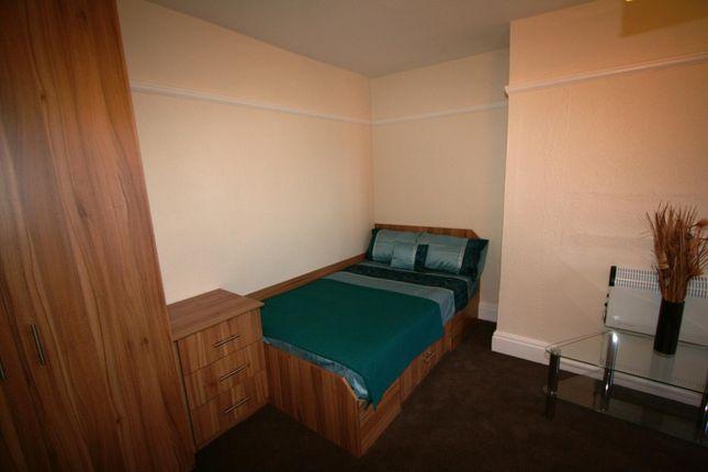 Bedroom of Flat 8, 18 St Johns Terrace, University LS3