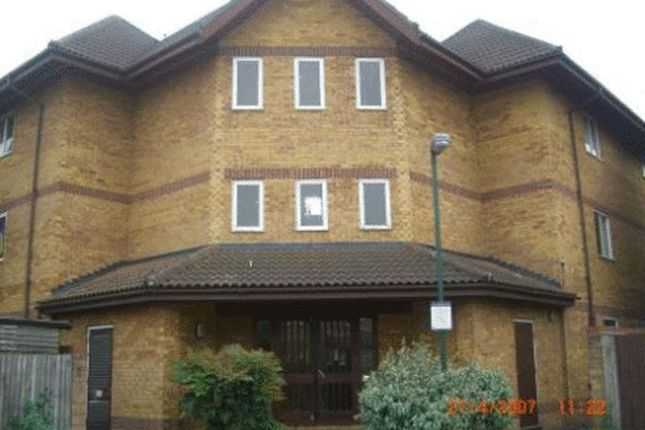 2 bed flat for sale in Colombus Square, Erith