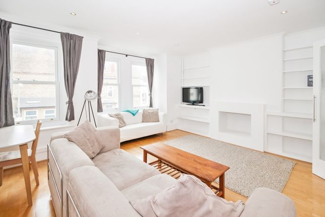 2 bed flat to rent in Mysore Road, Clapham, London SW11