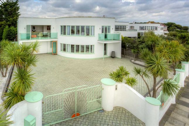 Thumbnail Detached house for sale in Cliff Way, Frinton-On-Sea