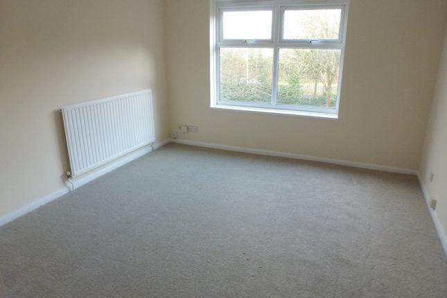 Thumbnail Flat to rent in Nursery Hill, Welwyn Garden City