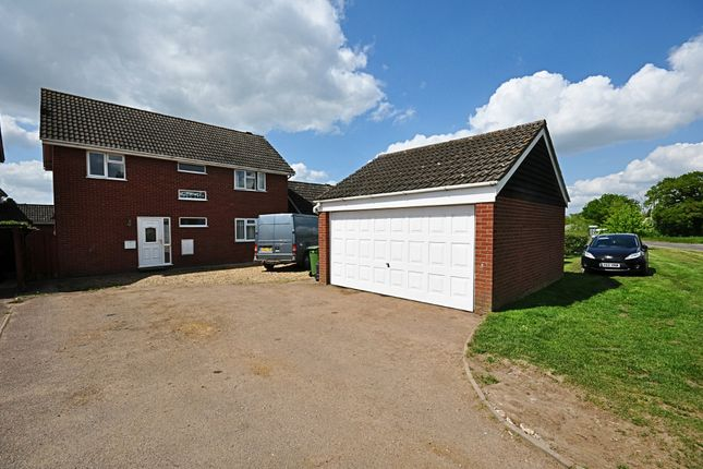 Thumbnail Detached house for sale in Shelfanger Road, Roydon, Diss
