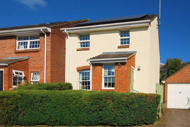 3 bed detached house for sale in Morefields, Tring HP23