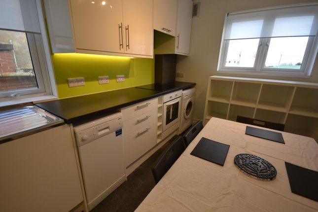 Thumbnail Flat to rent in Guinea Street, Exeter