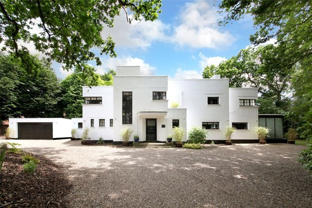 Thumbnail Detached house for sale in Gregories Road, Beaconsfield, Bucks