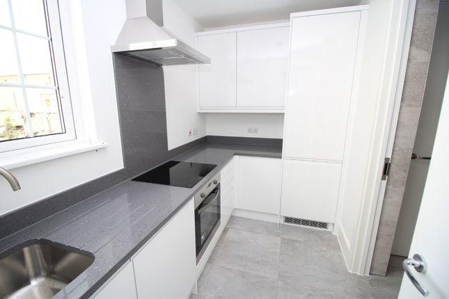 Flat to rent in Bank Court, Hemel Hempstead