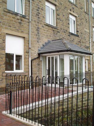 Thumbnail Flat to rent in Wakefield Road, Scissett, Huddersfield