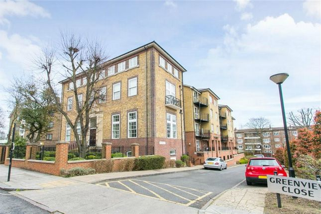 Thumbnail Flat to rent in Greenview Close, London