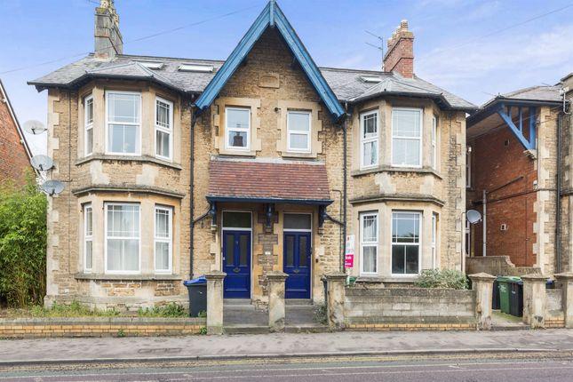Thumbnail Flat for sale in Park Lane, Chippenham