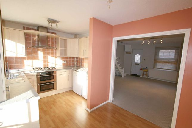 2 bed end terrace house to rent in Morefields, Tring HP23