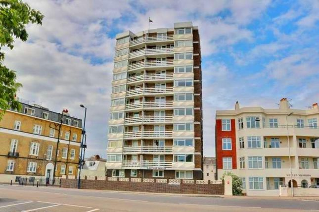 Thumbnail Flat to rent in South Parade, Southsea